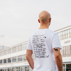 Have you ever heard that..  Facts about organic cotton👕  For more info check our blog 👀  Link in bio 👌  #wildhabits #swipebacktoreality #denmark #denmark🇩🇰 #copenhagen #aarhus #odense #tshirt #message #fashion #organic #cotton #organiccotton #blog #sustainablefashion #sustainability #newbrand #makechanges #elle #corefashion #københavn #whomademyclothes #poland #madeinpoland